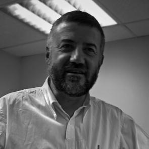 Dr. Antonio González